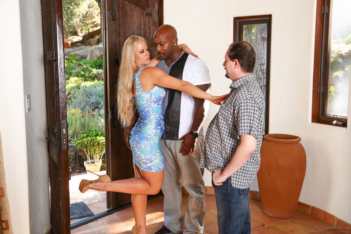 Holly Heart - Mom's Cuckold #16
