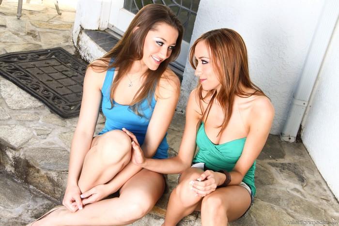 Insiatiable Lesbian Curiosities #03