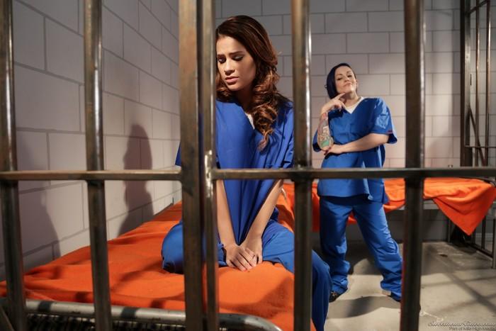 Vanessa Veracruz, Rizzo Ford - Prison Lesbians #02