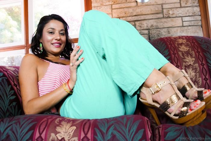 Gigi Loren - Scorching Latinas #03
