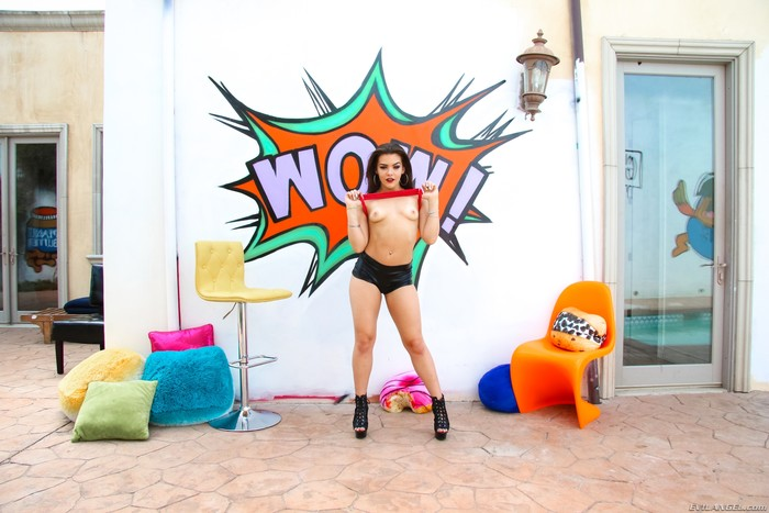 Kimber Woods - Floridian's Scorching Anal Date - Evil Angel