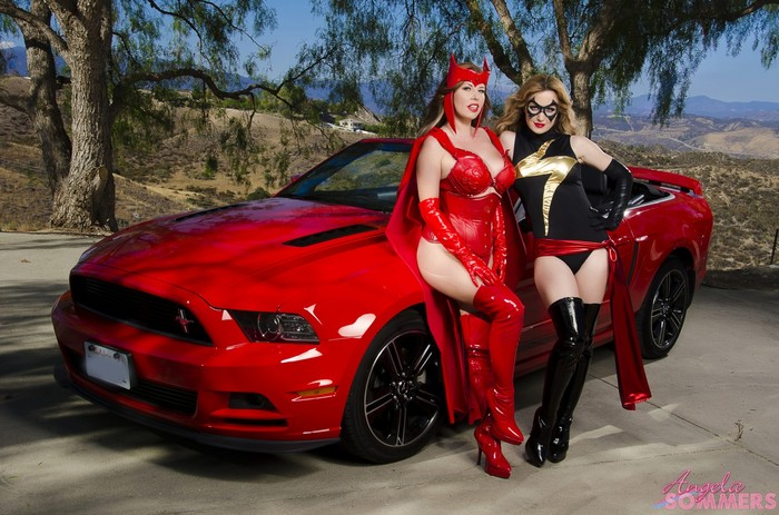 Angela Sommers - Ms Marvel VS Scarlet Witch
