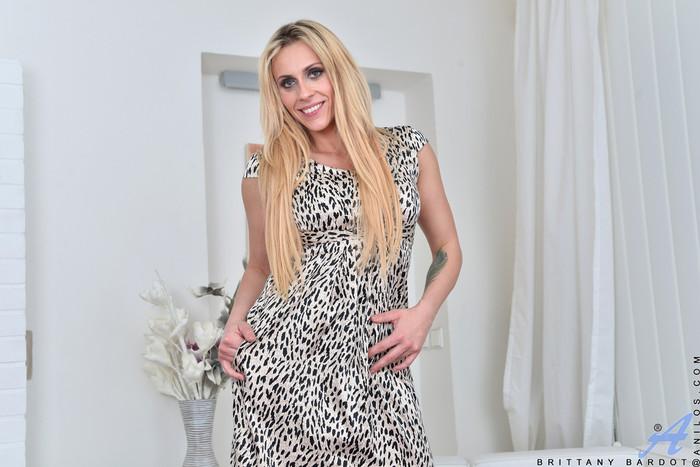 Brittany Bardot - Sexy Mature