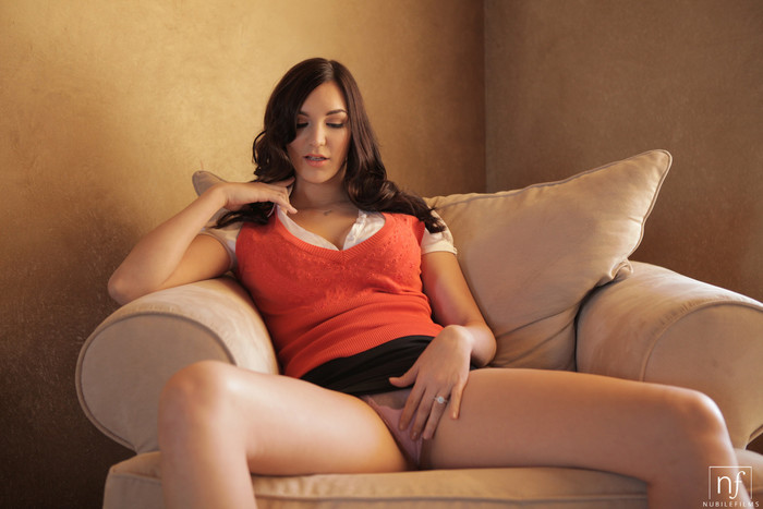 Holly Michaels - Body Language - Nubile Films