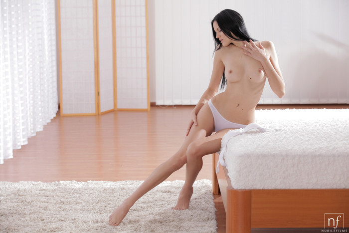 Mia Michele - Body Lines - Nubile Films