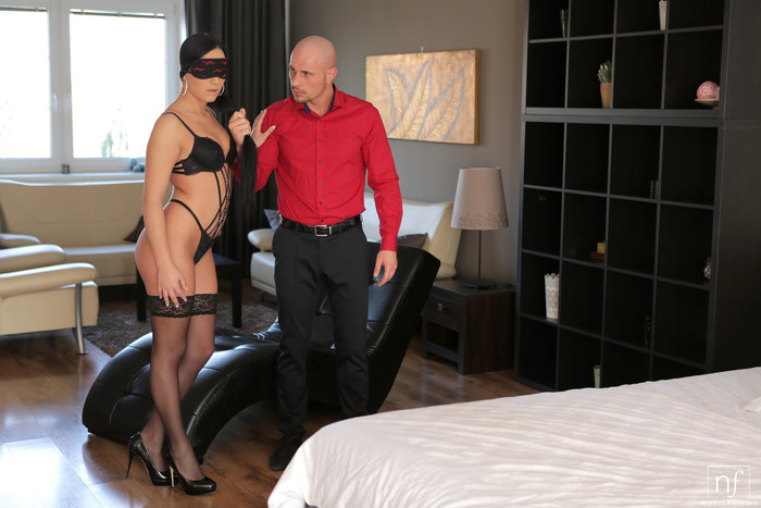 Anna Rose - Tie Me Up - Nubile Films