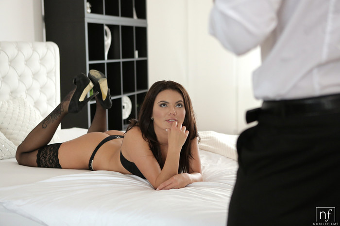 Vanessa Decker - Beautiful Orgasm - Nubile Films