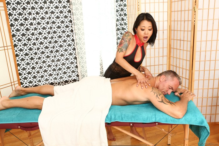 Saya Song - Asian Strip Mall Massage #02 - Devil's Film