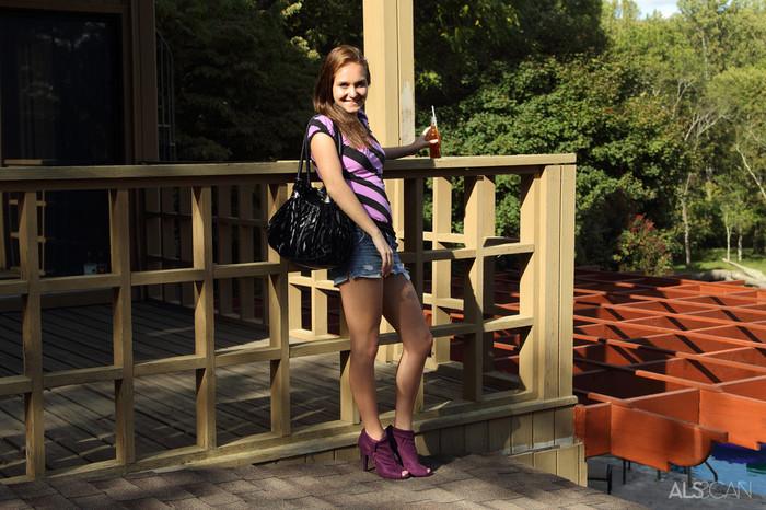 Sadie Grey - Rooftop Retreat - ALS Scan