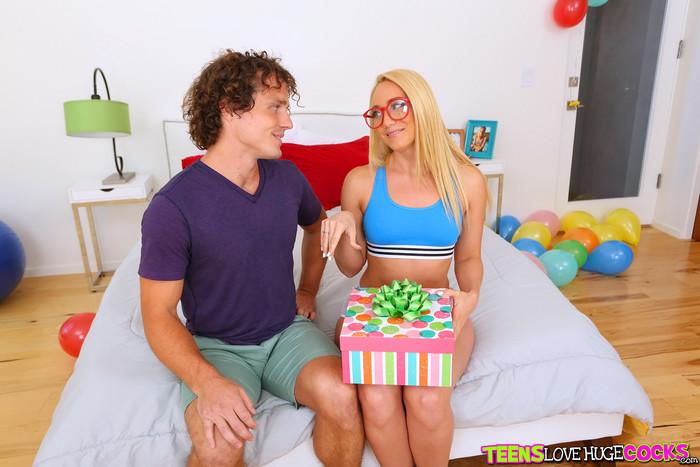 Aj Applegate - Sharing Buddies - Teens Love Huge Cocks