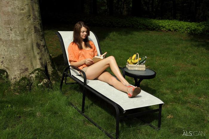 Kiera Winters - Fresh Produce - ALS Scan