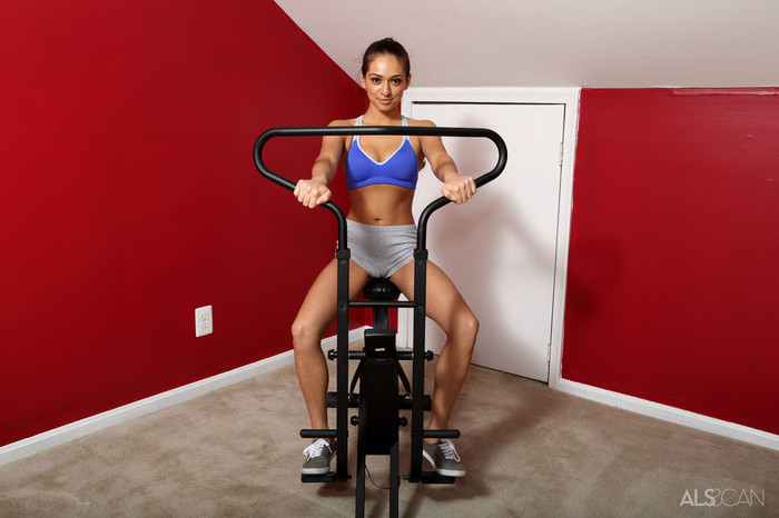 Sara Luvv - Physical Training - ALS Scan