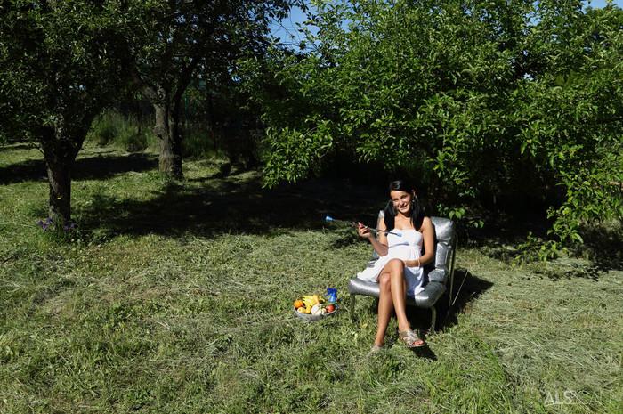 Lexi Dona - Jubilant - ALS Scan