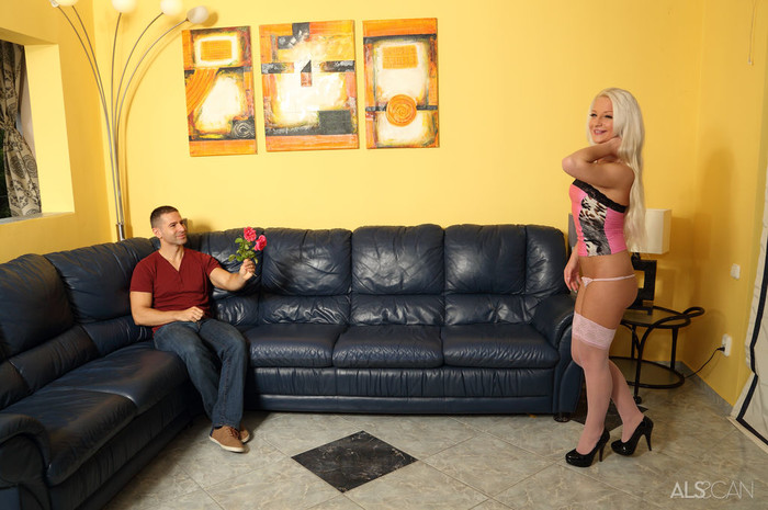 Anastasia Lee, Totti - Flowers for the Lady - ALS Scan