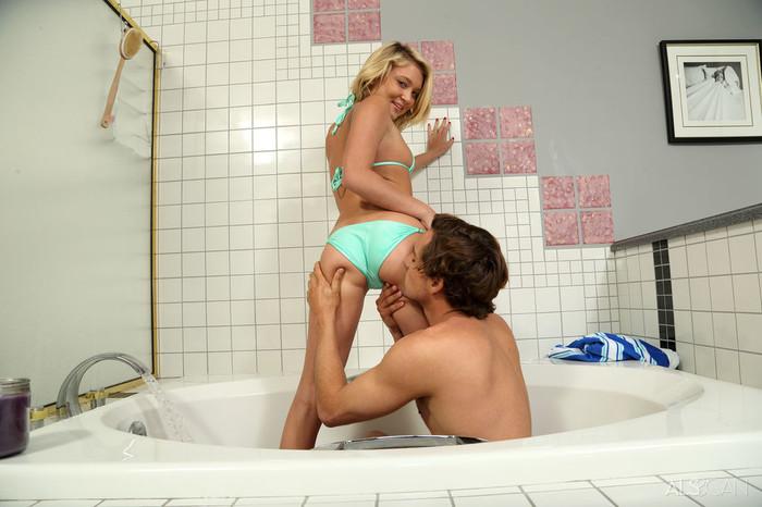 Dakota Skye, Tyler Nixon - Bath Mate - ALS Scan