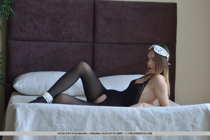 Katia B - Touch Myself - The Life Erotic