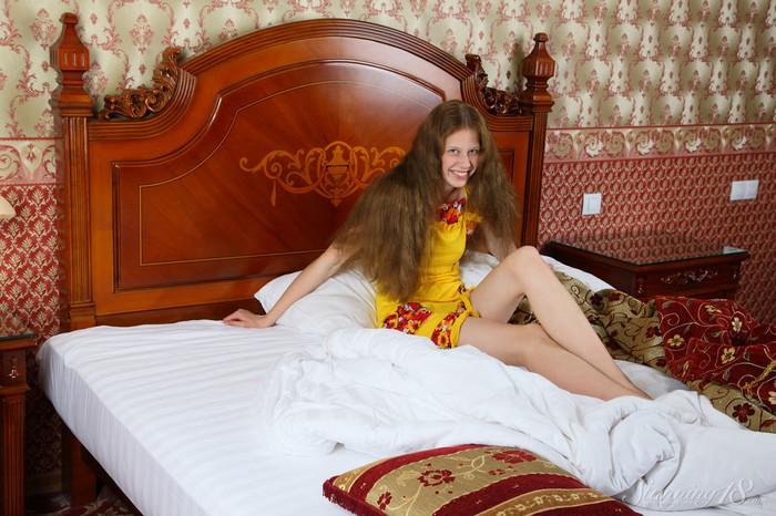 Nicole - Magnificent Hair - Stunning 18
