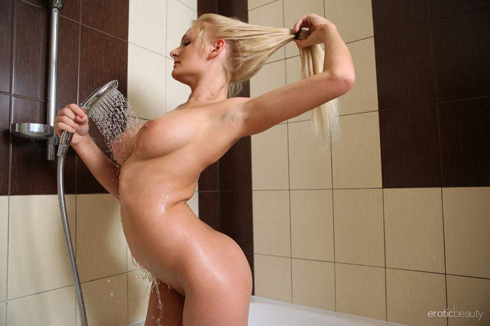 Jessica H - Morning Shower - Erotic Beauty