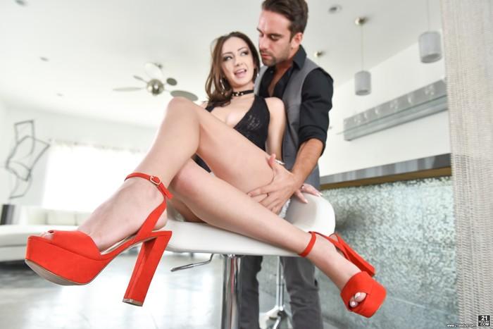 Lily Jordan - Foot Worship - 21Sextury