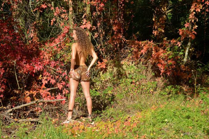 Sarka - Autumn Colors - Erotic Beauty