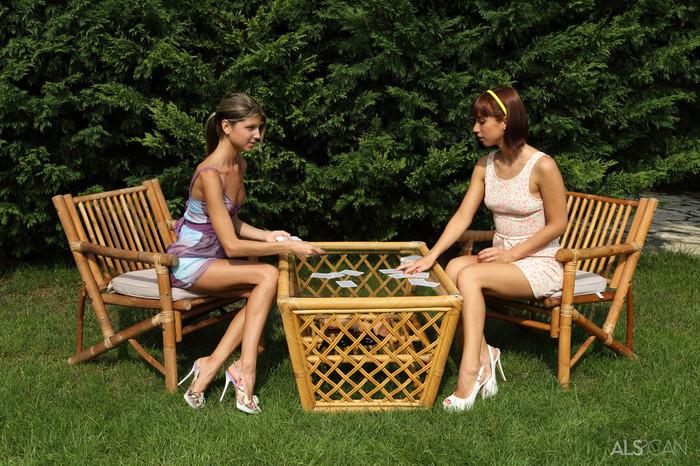 Gina Gerson, Tina Hot - Strip Poker - ALS Scan