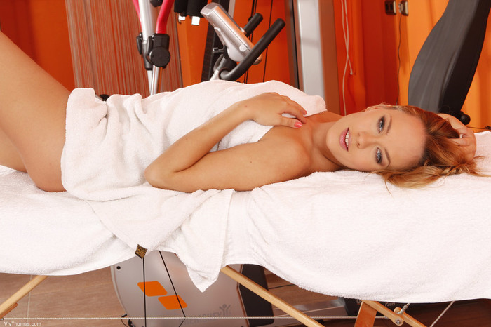 Blue Angel - Masseur - Viv Thomas