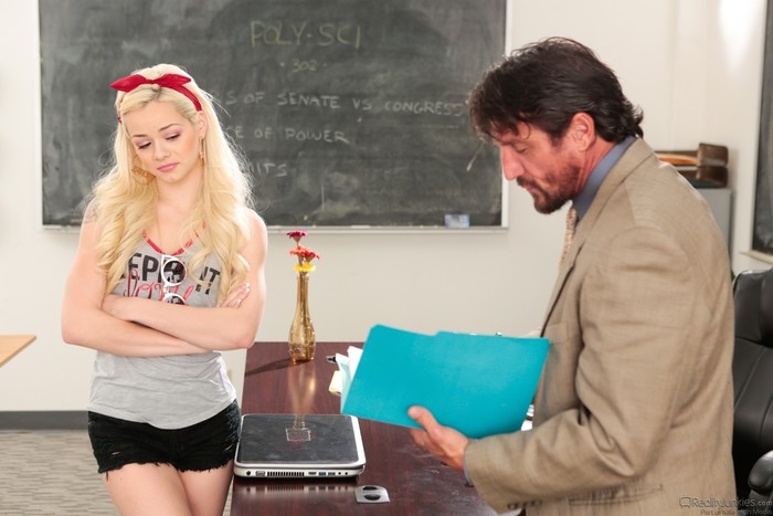 Elsa Jean - Cheating Has Its Consequences! - Reality Junkies