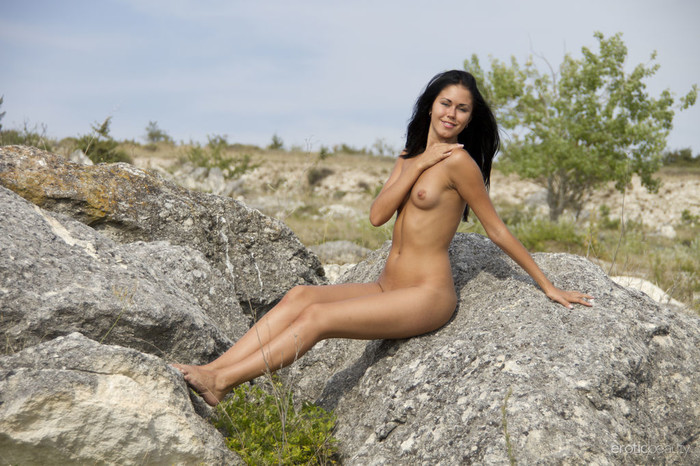 Macy B - Blue Sky 2 - Erotic Beauty