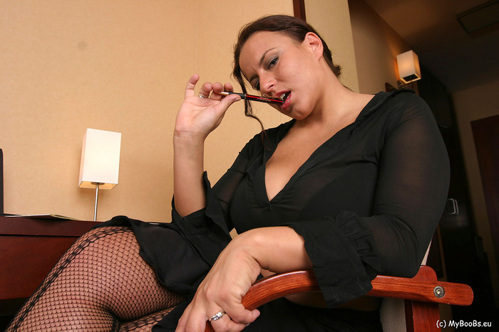 Aneta Secretary - Aneta Buena
