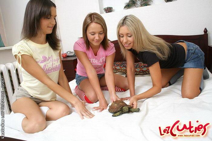 Horny Lesbians Threesome with Aliza, Lana & Gwen