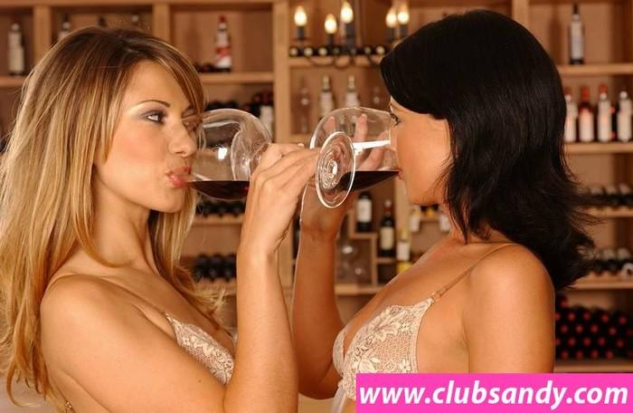 Vivien, Juditta - Club Sandy