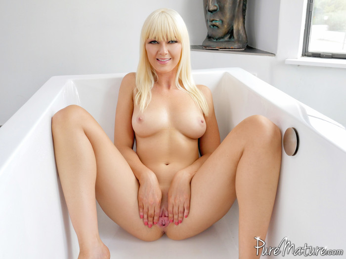 Marie McCray - Horny Housewife - Pure Mature