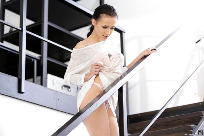 Nicole Love - Anal Fucking On The Stairs