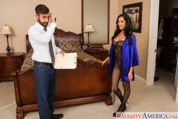 Chloe Amour - Latin Adultery