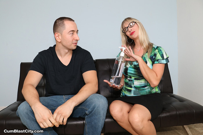 Vicky Vixxx: Sex Therapist Got Jizzed - Cum Blast City