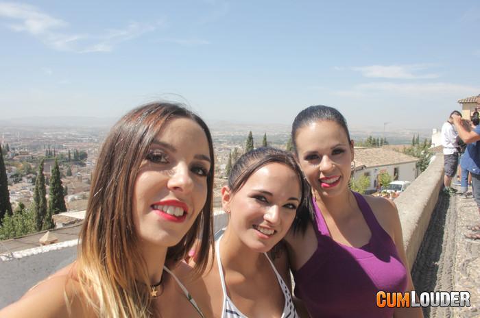 Nekane - Claudia y Nekane: Hot in Granada - CumLouder