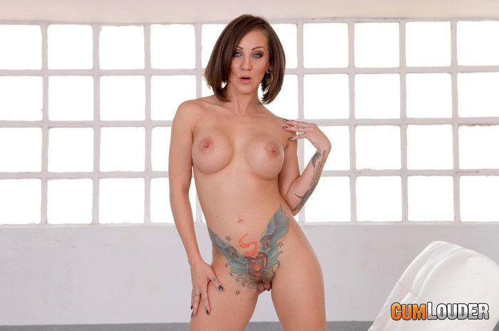 Betty Foxxx takes control - CumLouder