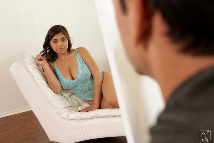 Ella Knox - Bare Naked Beauty - S5:E10 - NFBusty