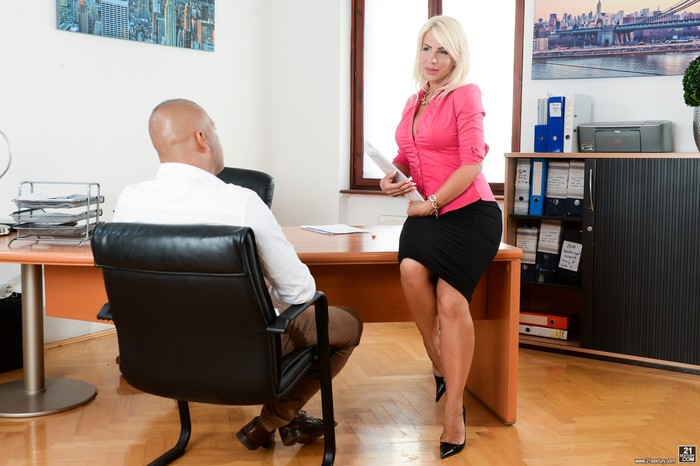 Tiffany Rousso - Blown By A Blonde - 21Sextury
