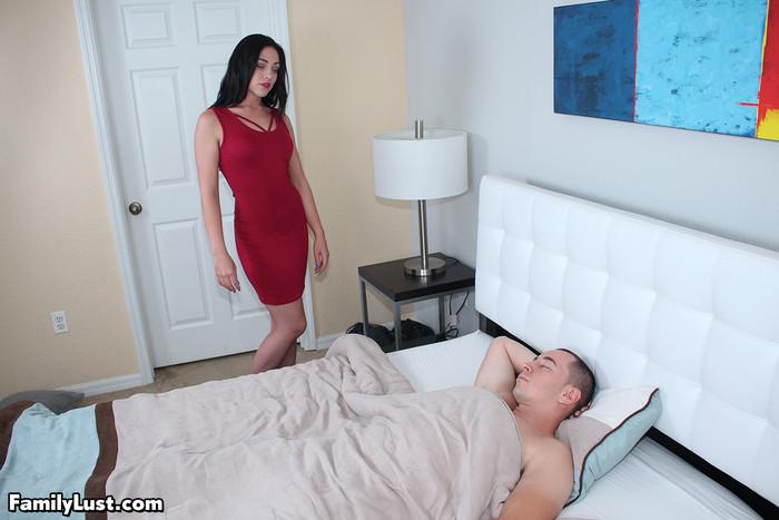 Anna Oksana Wakes Up StepBrother - Family Lust