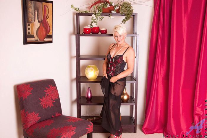 Sally Taylor - Necklace - Anilos