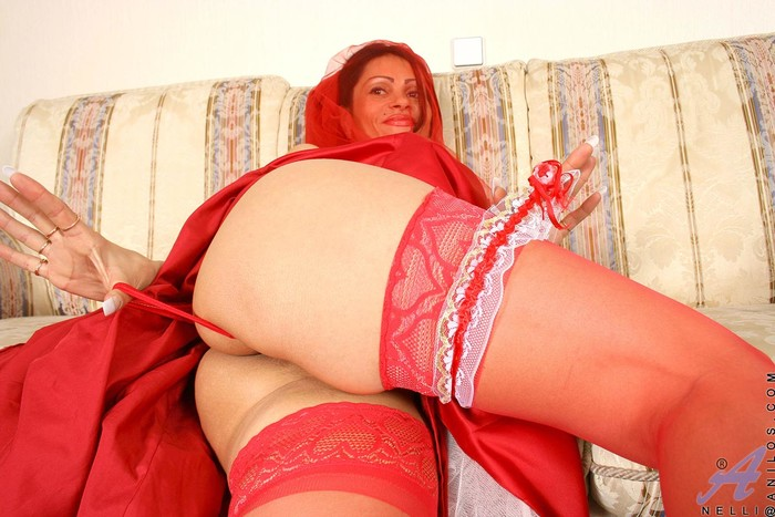 Nelli - Red Bride - Anilos