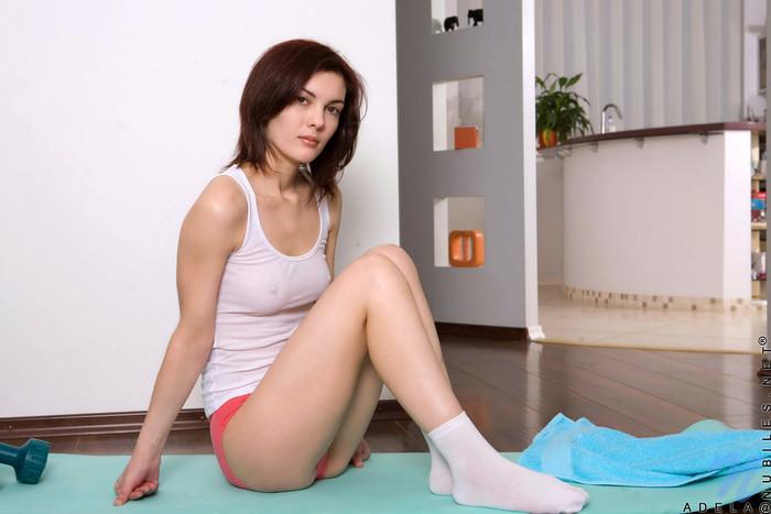 Adela spreading her legs - Nubiles