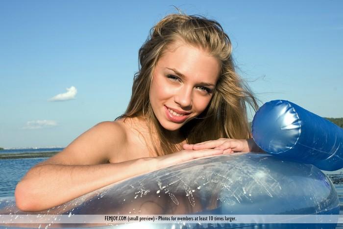 Get Wet - Beata D. - Femjoy
