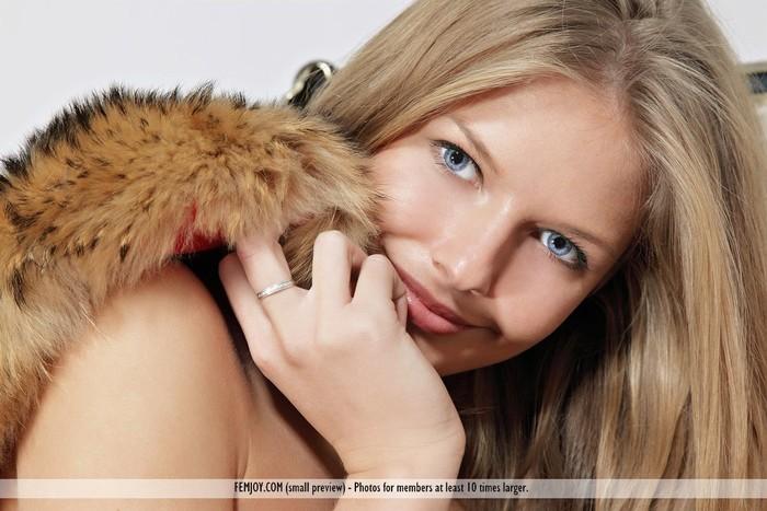 Luxury - Kitty S. - Femjoy