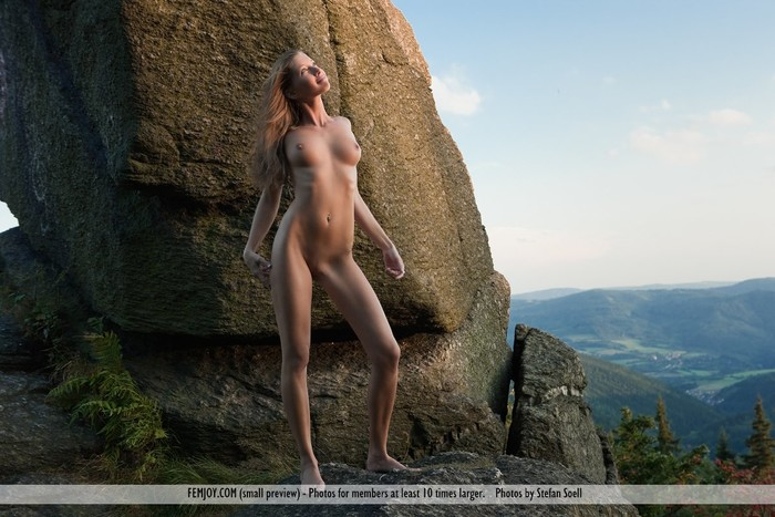 Feel My Love - Irena - Femjoy