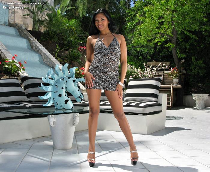 Emy Reyes - InTheCrack