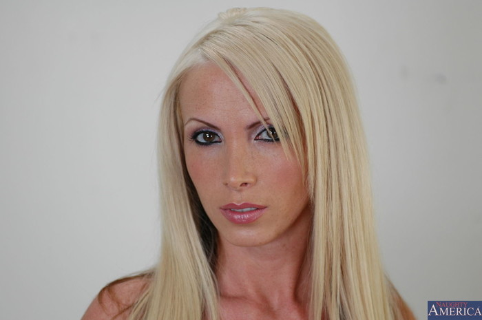 Nikki Benz - My Sister's Hot Friend