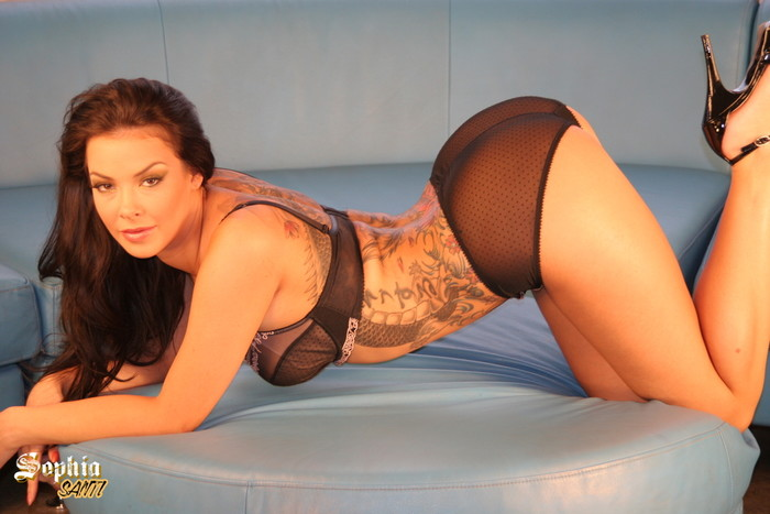 Sophia Santi Teases you and wants you to touch it