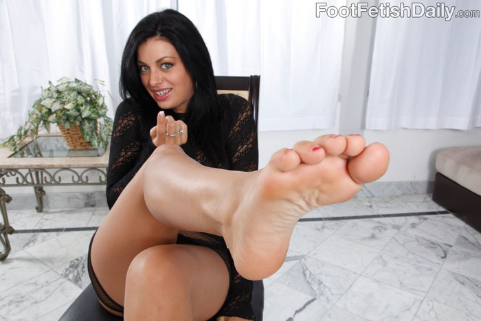 Angelica Raven Ass Eating Footjob
